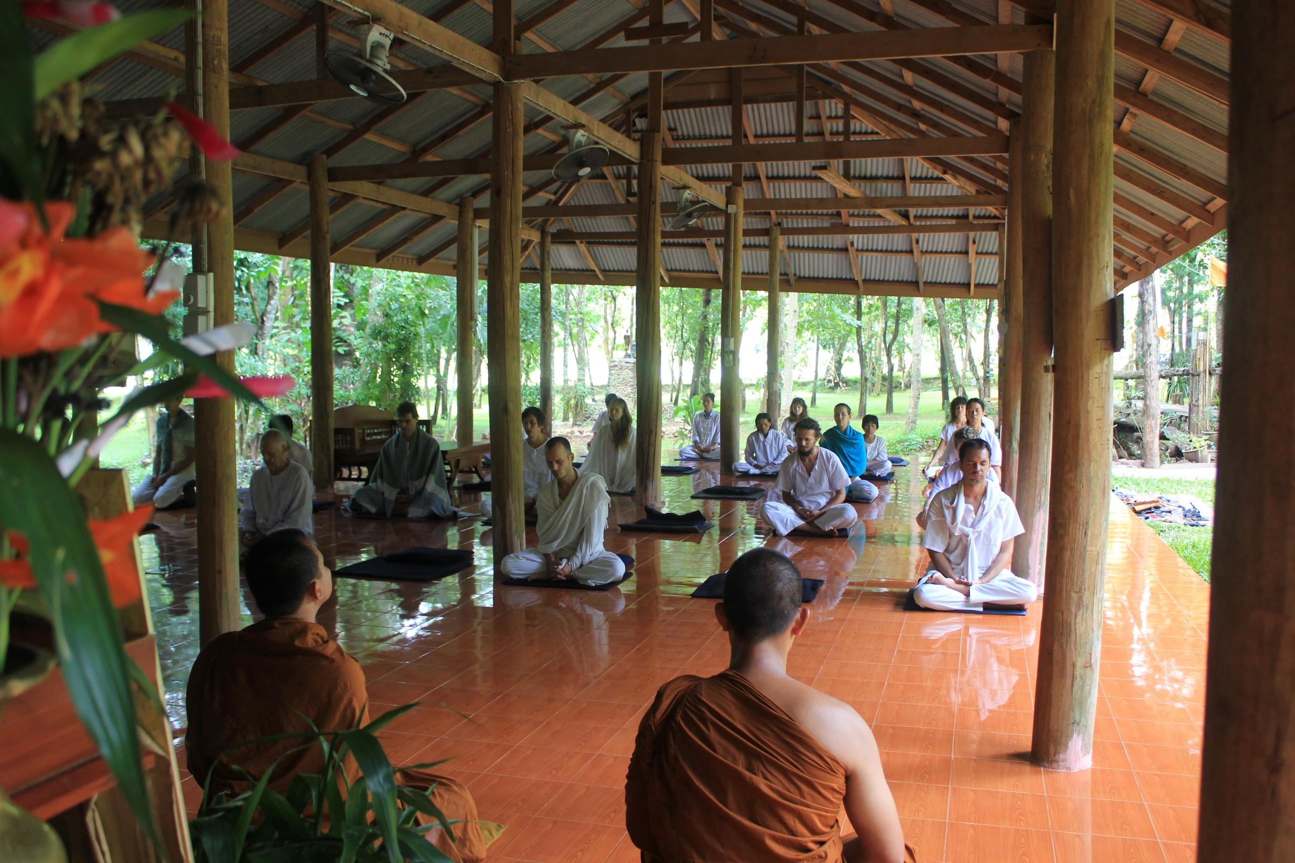 Meditando nel Monastero di Tam Wua