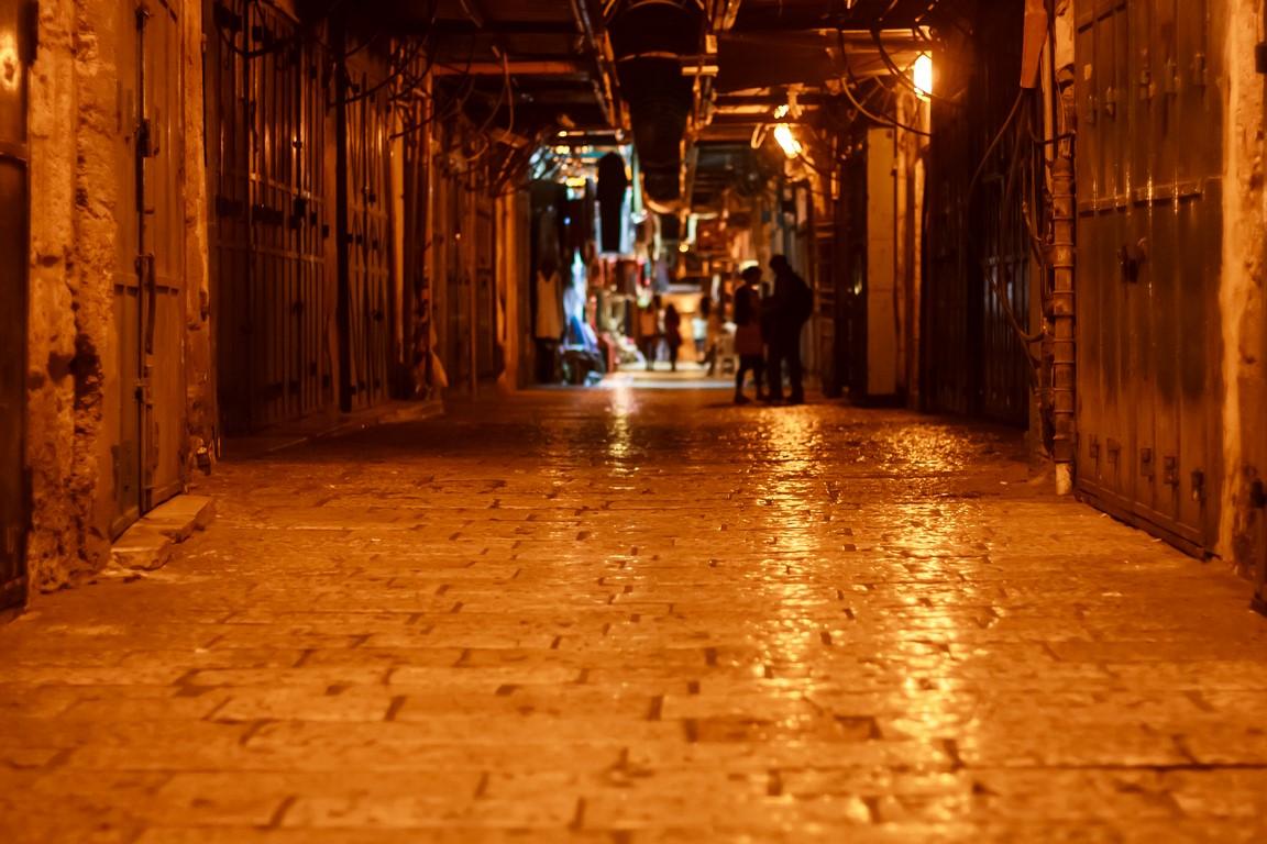 Il mercato di Gerusalemme di notte (Foto: drpavloff)